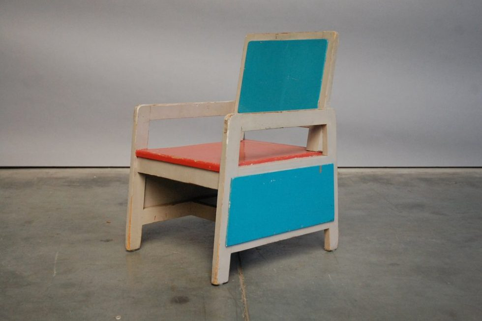 Modernist kids chair from the 1950s