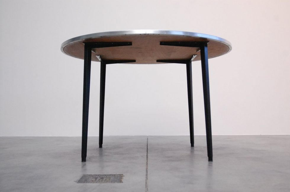 Friso Kramer Reform table round with linoleum top 1955