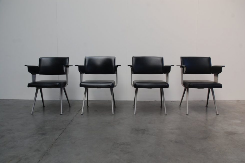 Friso Kramer Resort chairs set of 4 'Resort' by Ahrend de Cirkel 1960