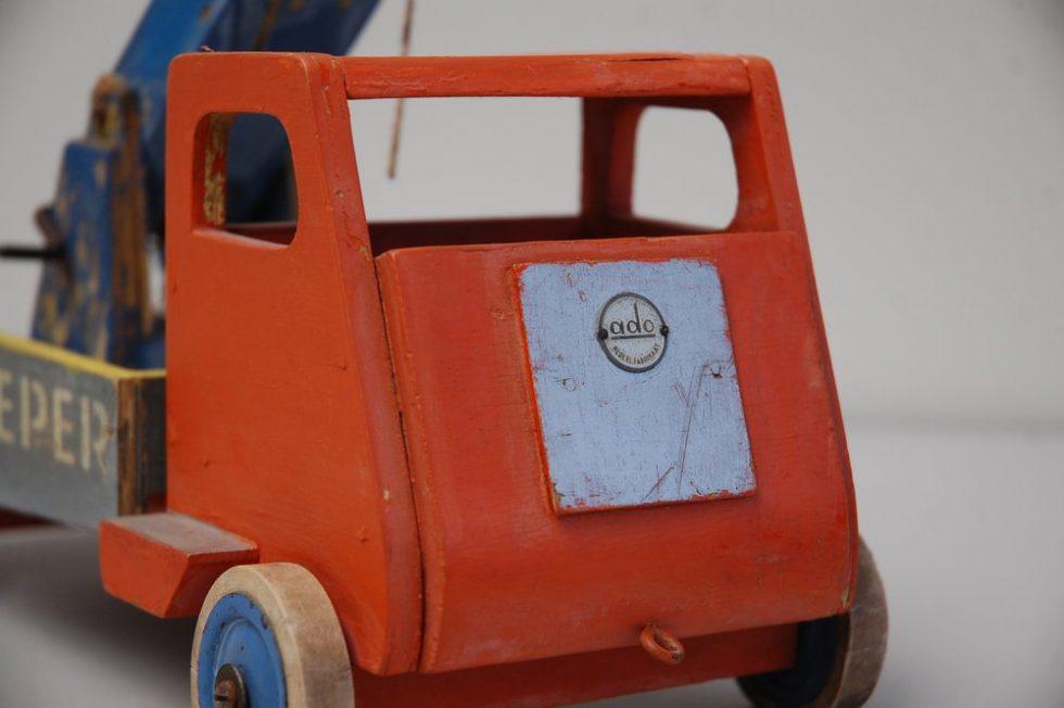 Ado toy car 'Autosleper' by Ko Verzuu 1950