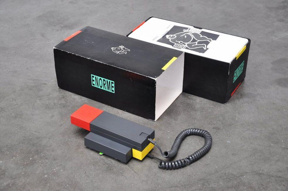 Ettore Sottsass Enorme telephone 1986