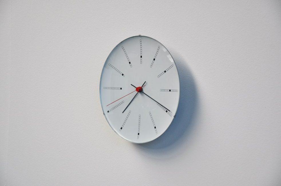 Arne Jacobsen bankers clock for Louis Poulsen 1971