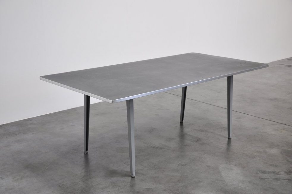 Friso Kramer Reform XL table Ahrend de Cirkel 1955