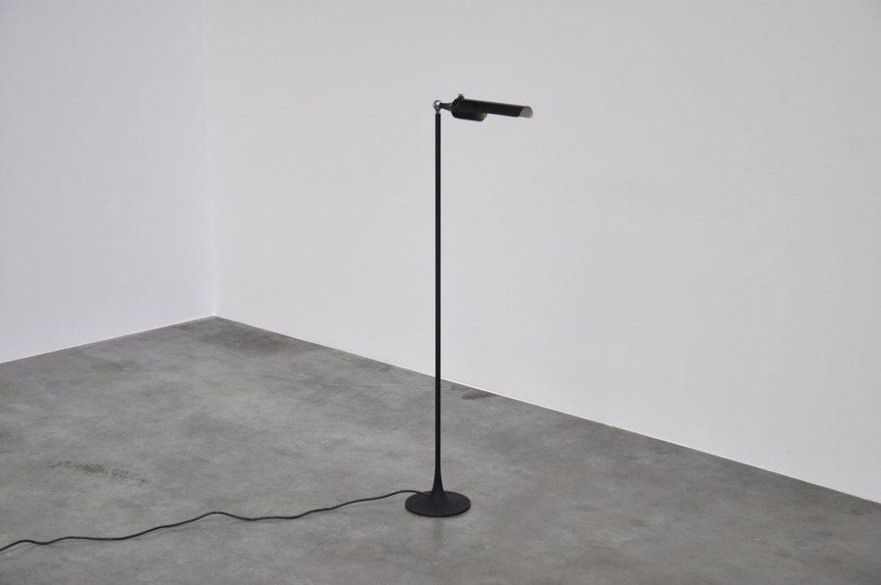 Gino Sarfatti 1086 Arteluce floor lamp 1961