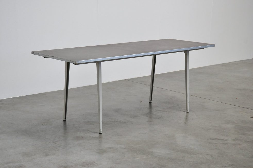 Friso Kramer Reform table Ahrend de Cirkel 1955