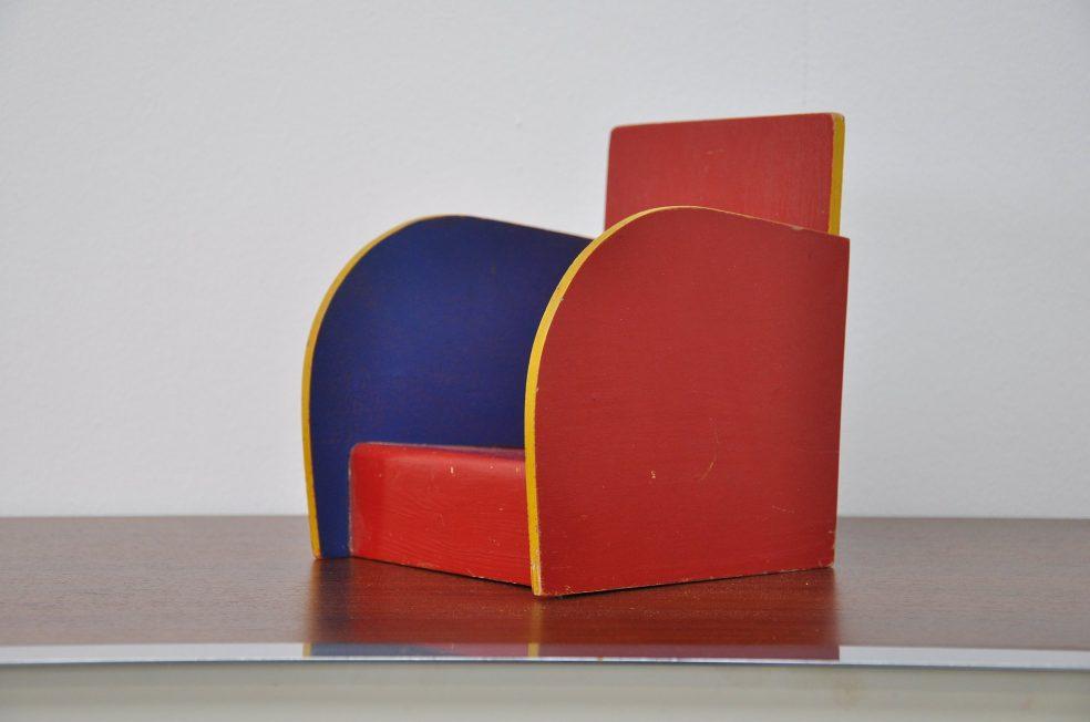Ado toy chair Ko Verzuu 1945