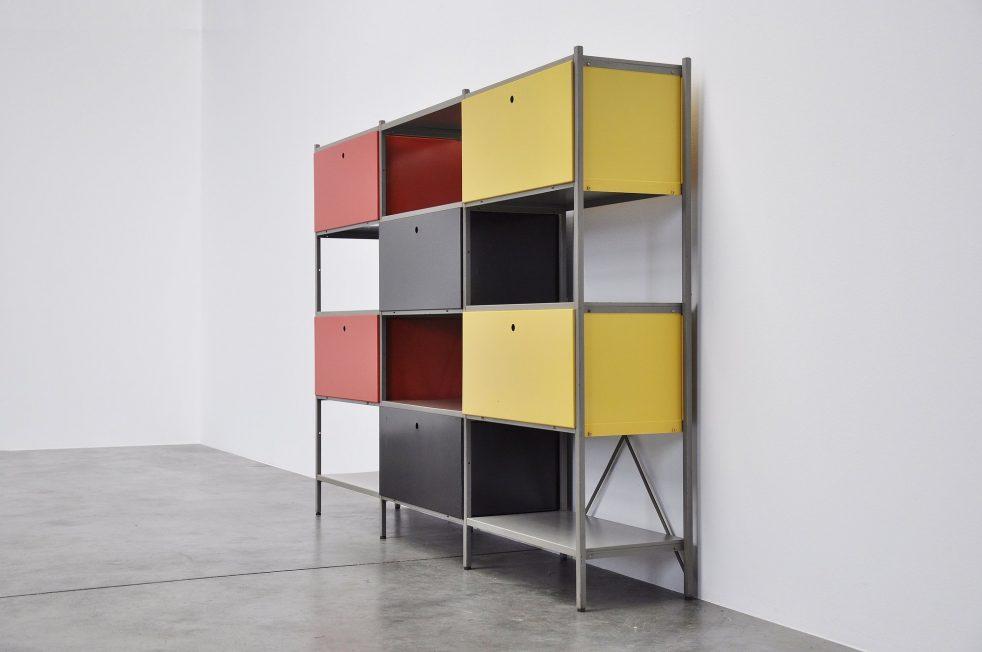 Wim Rietveld 663 Gispen bookcase room divider 1954