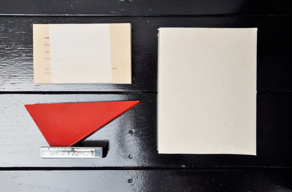 Wim Rietveld letter holder for NV Utrecht 1965