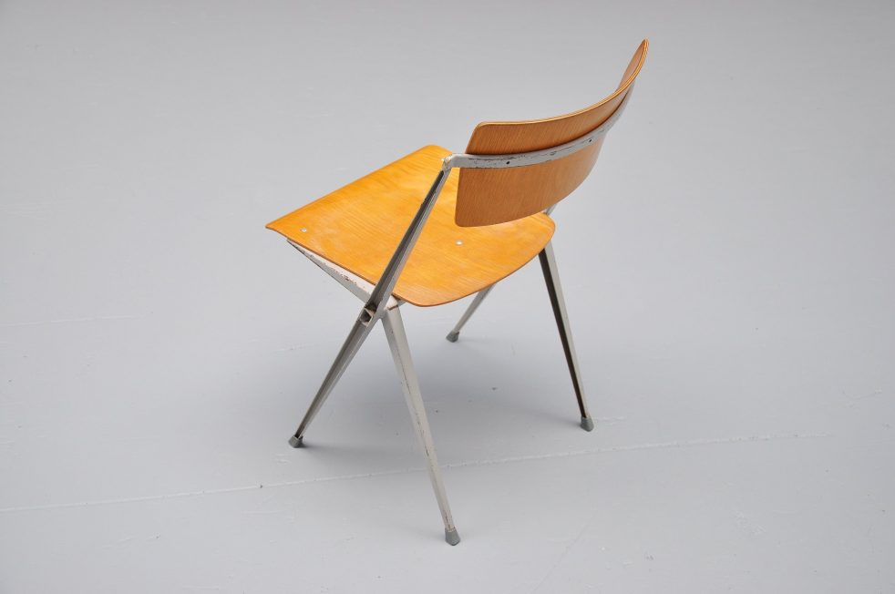 Wim Rietveld 4 Pyramid chairs for Ahrend de Cirkel 1960