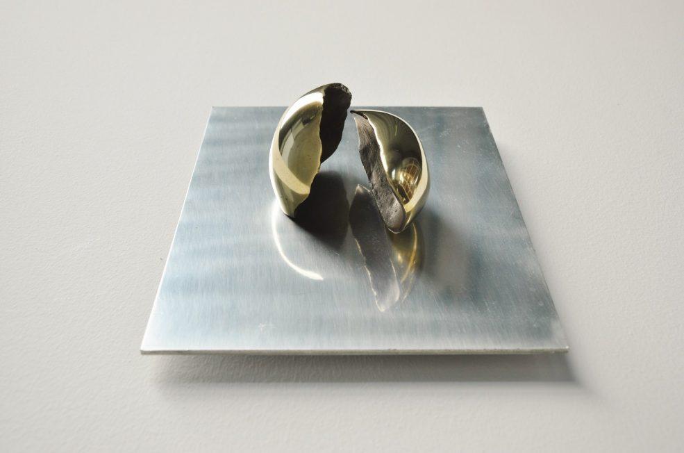Alicia Penalba Dedans sculpture Argentina 1975