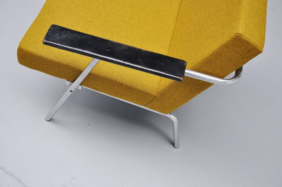 Martin Visser SZ02 easy chairs 't Spectrum