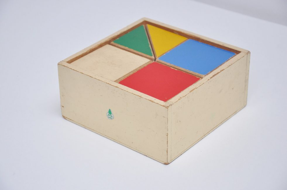 ADO Ko Verzuu puzzle box decorative kids toy 1950