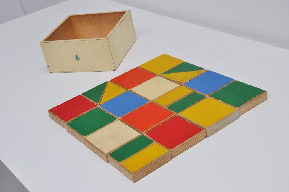 ADO Ko Verzuu puzzle box decorative kids toy 1950
