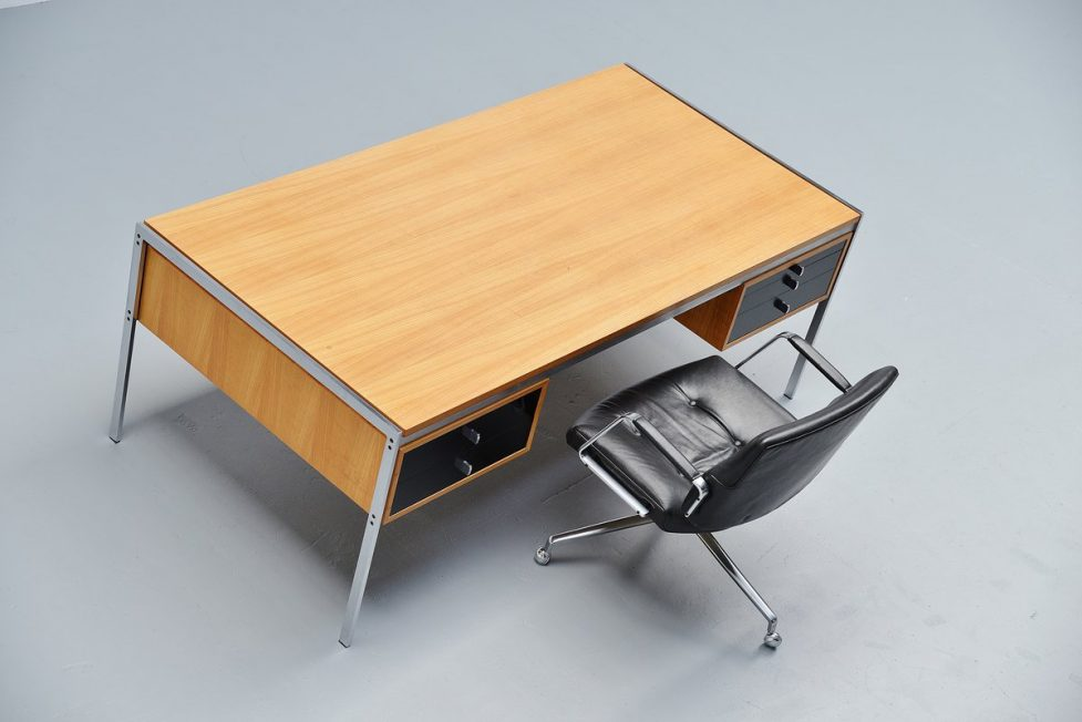Preben Fabricius & Jorgen Kastholm Kill international desk 1960