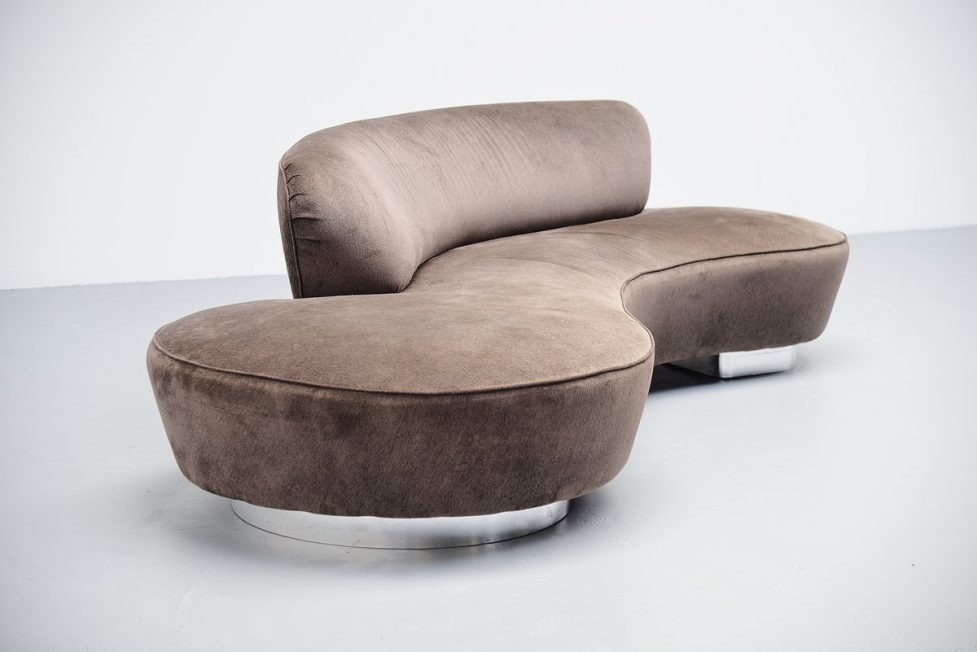 Vladimir Kagan Serpentine sofa Directional USA 1975