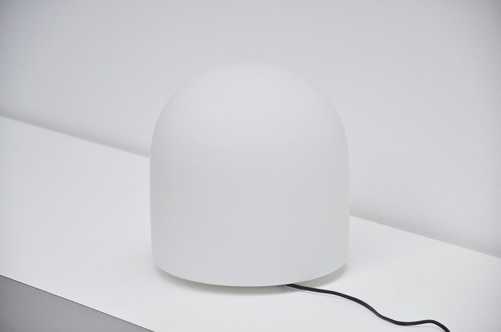 Aldo van den Nieuwelaar A252 table lamp Artimeta 1972