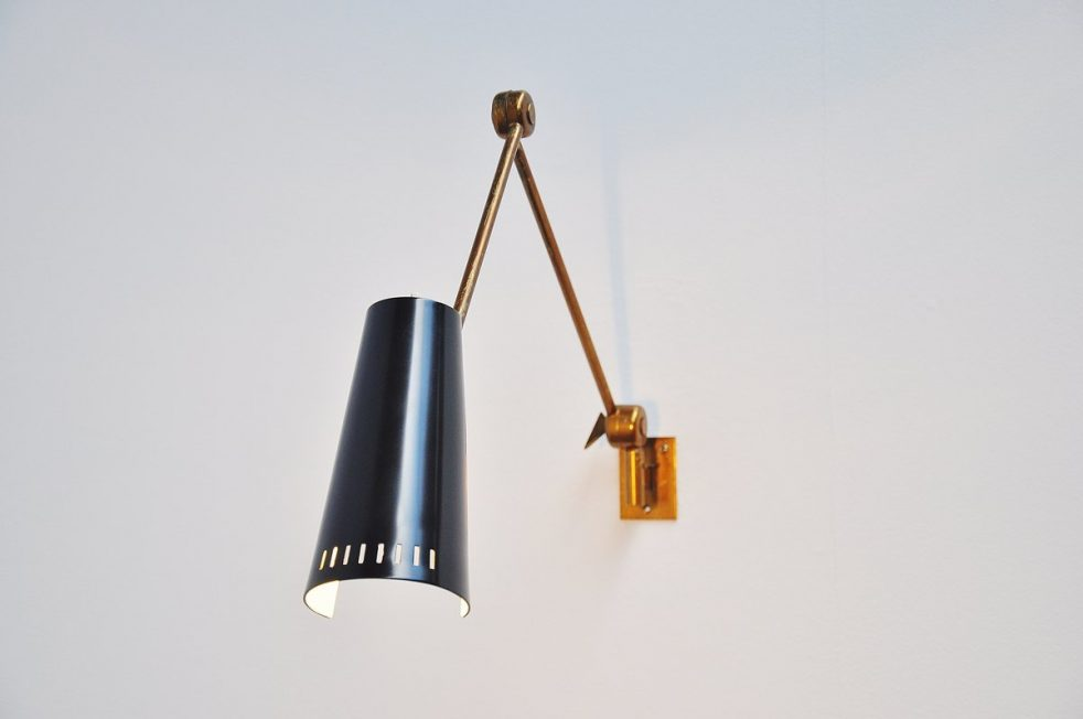 Stilnovo articulating wall lamp Italy 1950