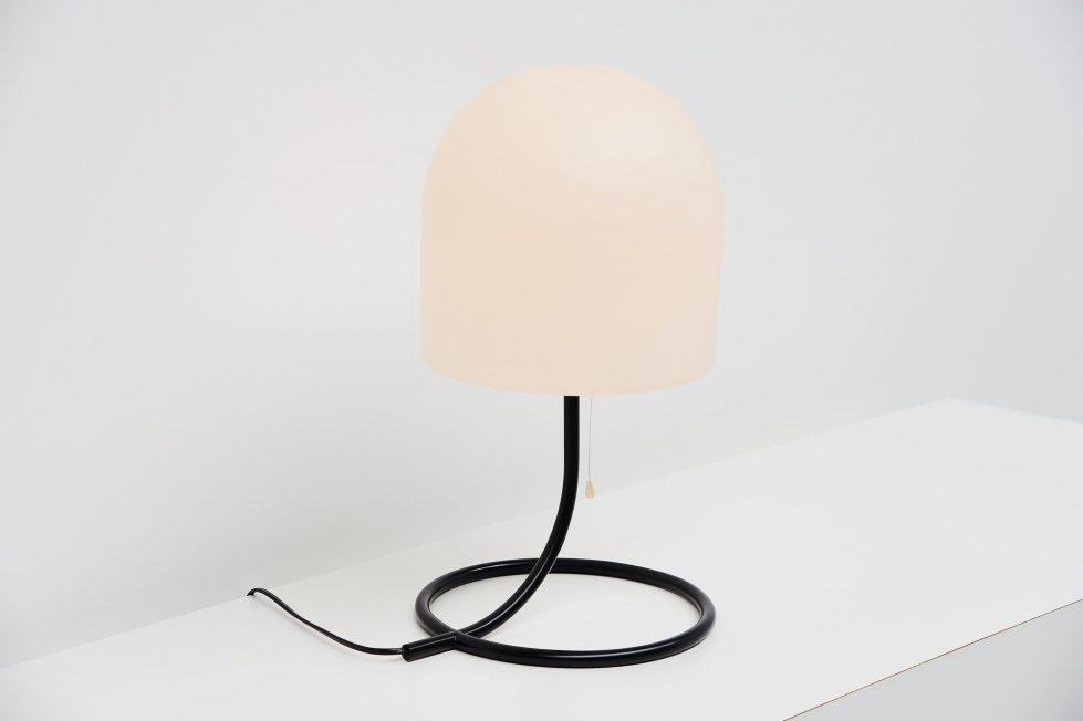 Aldo van den Nieuwelaar A250 table lamp Artimeta 1972