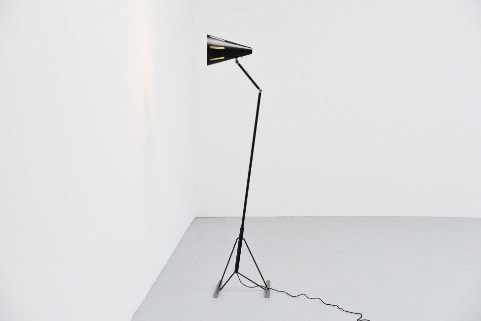 Hala HThA Busquet floor lamp from the Sun Series, Zeist 1955