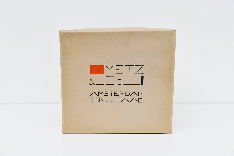 Bart van der Leck de Stijl box for Metz & Co 1935