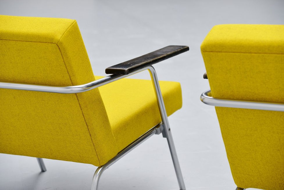 Martin Visser SZ02 easy chairs 't Spectrum 1964
