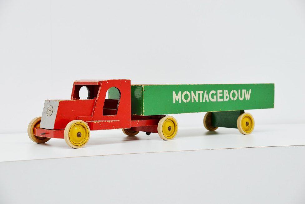 Ado Ko Verzuu toy truck Montagebouw, 1948