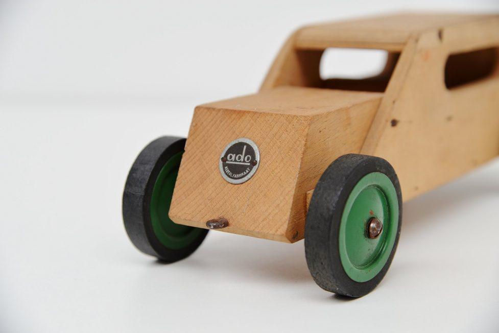 Ado toy car by Koo Verzuu 1940