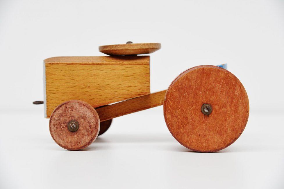 Ado Ko Verzuu toy tractor, Holland 1950