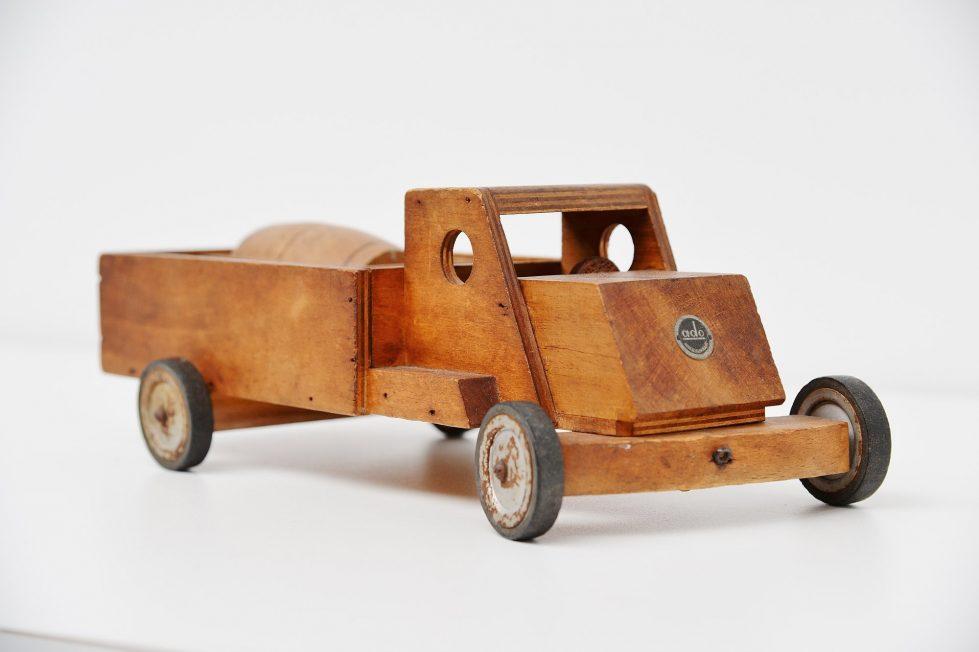 Ko Verzuu wooden truck Ado 1940