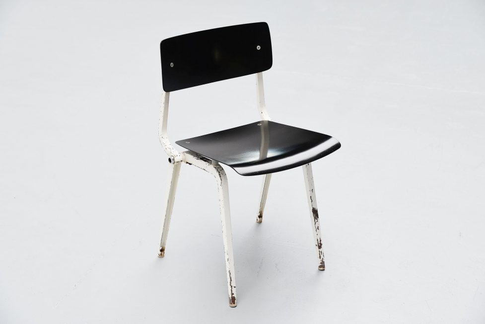 Friso Kramer Revolt folding chair for Ahrend de Cirkel 1953