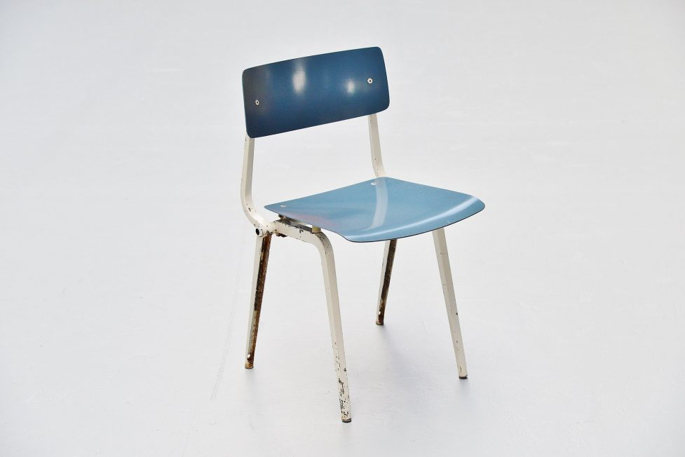 Friso Kramer Revolt folding chair for Ahrend de Cirkel 1953