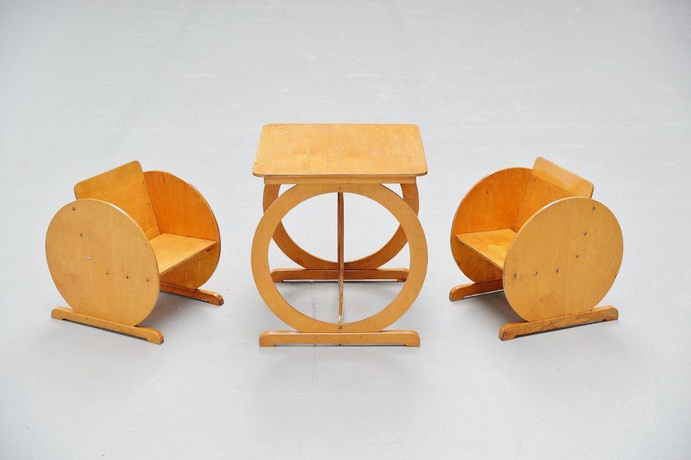 Round art Deco kids set Holland 1940