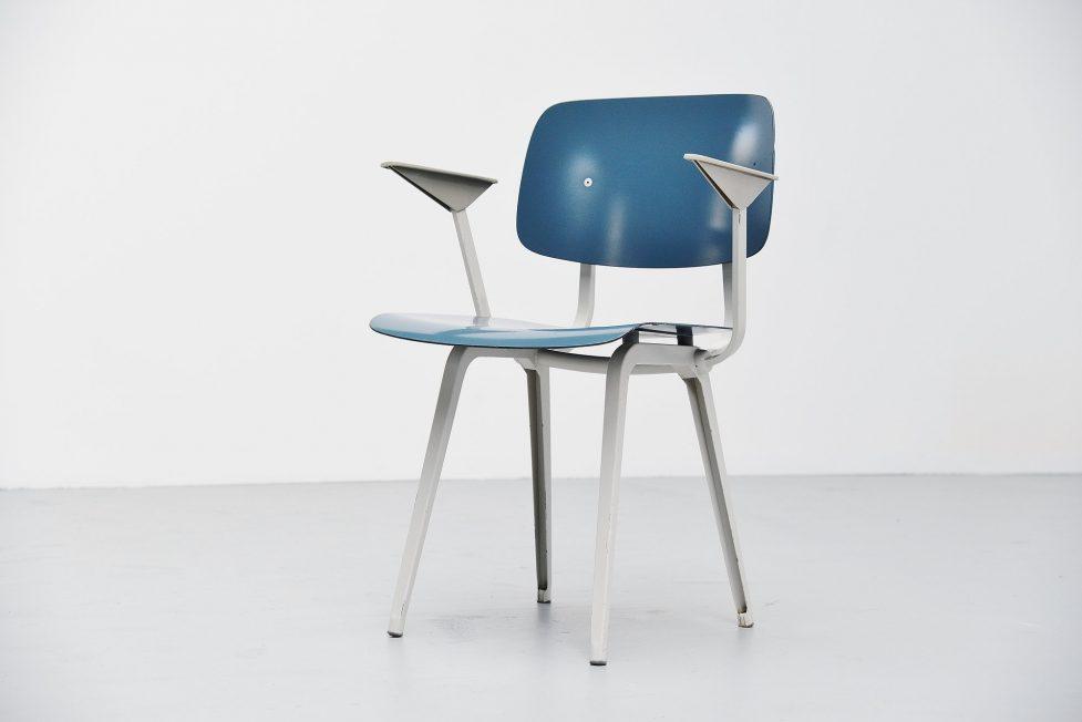 Friso Kramer Revolt chair with arms for Ahrend de Cirkel 1953