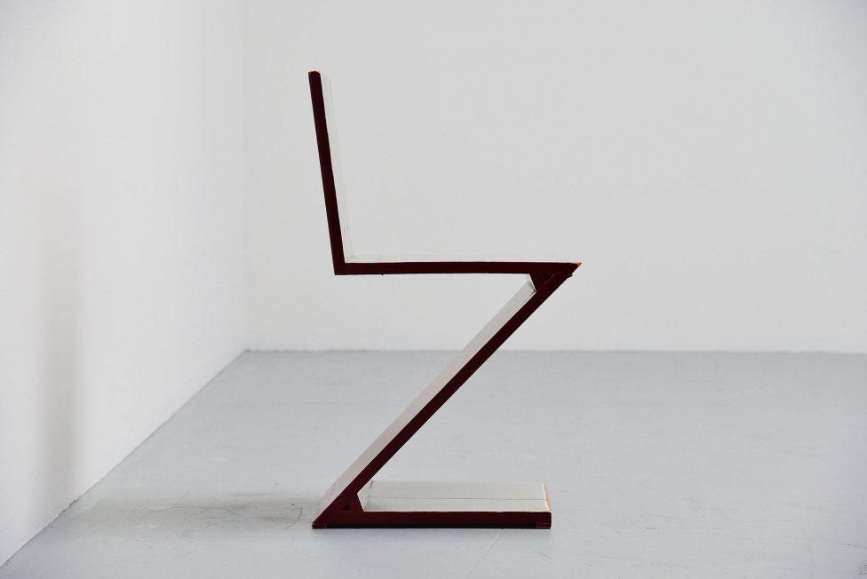 Gerrit Rietveld Zig Zag chair G.A.v.d. Groenekan 1961