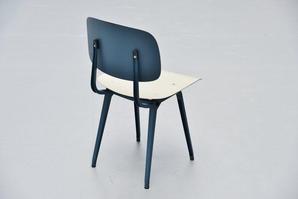 Friso Kramer Revolt chair Ahrend de Cirkel 1953 Blue Grey Blue