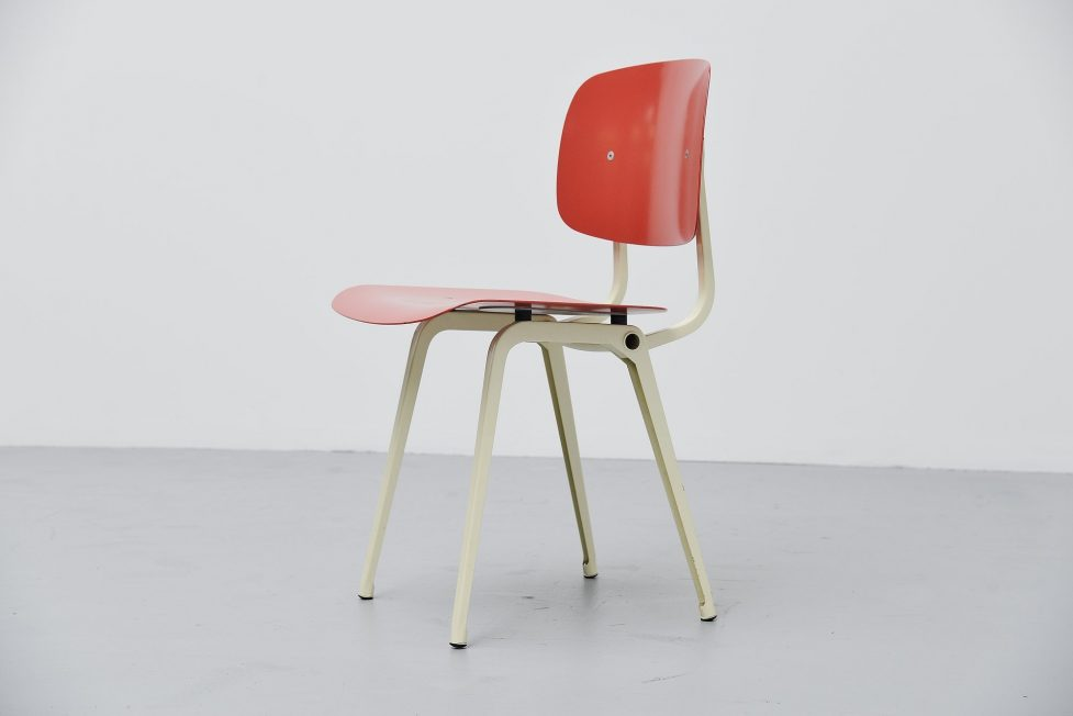 Friso Kramer Revolt chair Ahrend de Cirkel 1953 Red White