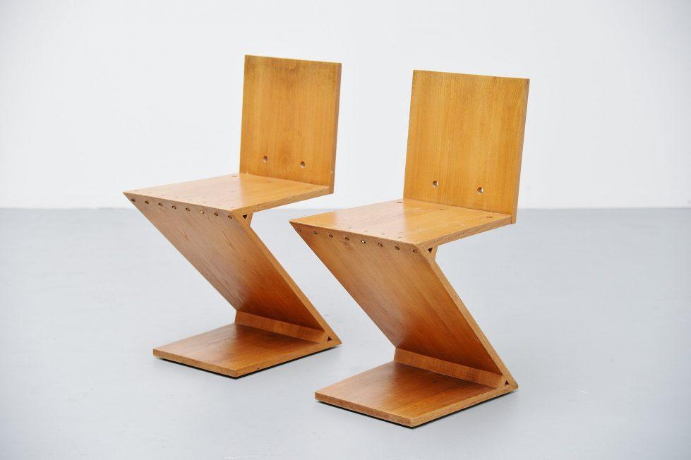 Gerrit Rietveld Zig Zag chair pair G.A.v.d. Groenekan 1965