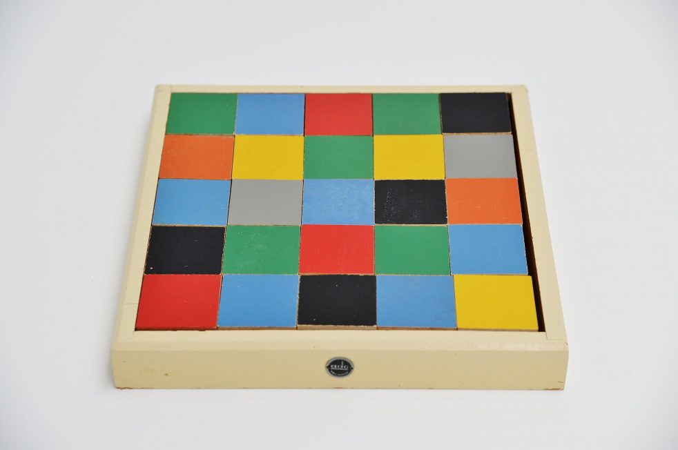 Ado Ko Verzuu tiles puzzle box model 259. Holland 1939