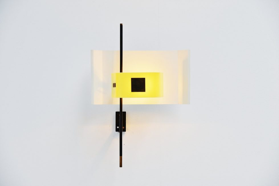Stilnovo wall lamp model 2020 yellow plexiglass, Italy 1955