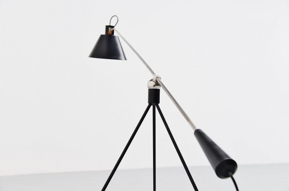 H. Fillekes Magneto floor lamp by Artiforte 1954