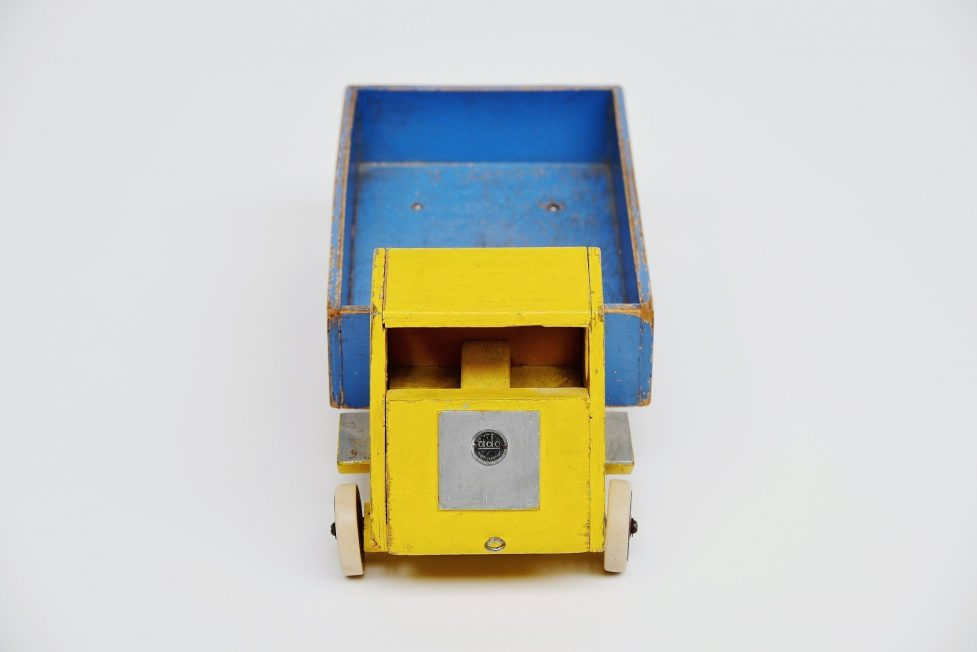 Ado Ko Verzuu blue yellow truck Holland 1948