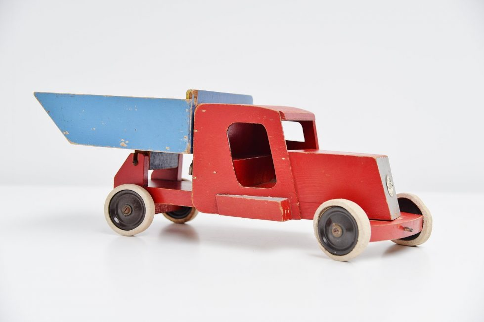 Ado Ko Verzuu red blue tilt truck Holland 1948