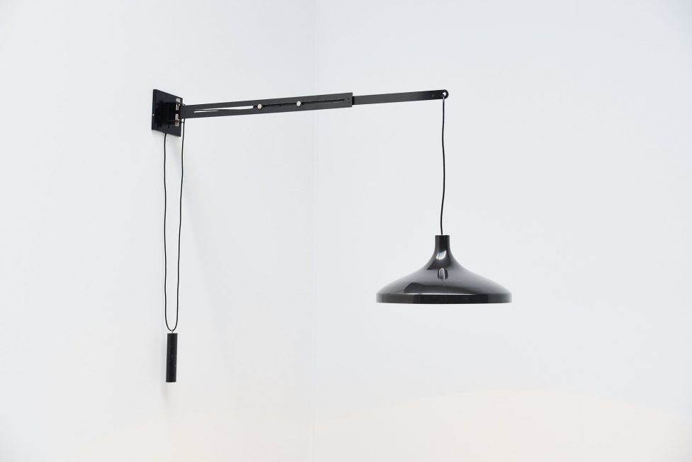 Gino Sarfatti wall lamp model 194-72 variant Arteluce 1972