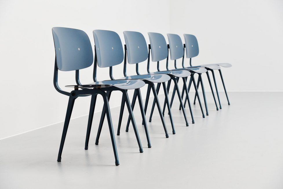 Friso Kramer uni colour Revolt chairs for Ahrend de Cirkel 1953 blue