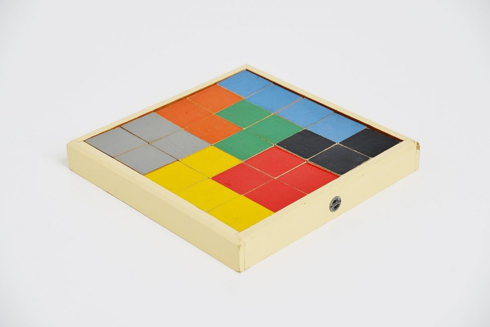 Ado Ko Verzuu puzzel box model 259 Holland 1939