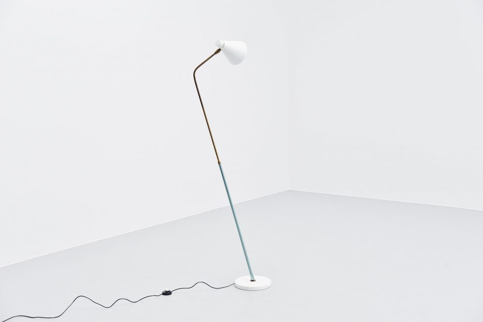 Giuseppe Ostuni extendable floor lamp Oluce 1952